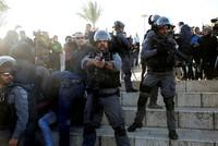 Bei Krawallen in Jerusalem und den Palästinensergebieten sind mindestens 109 Menschen verletzt worden. Eine Person sei bei Hebron von scharfer Munition getroffen worden, teilte der palästinensische...