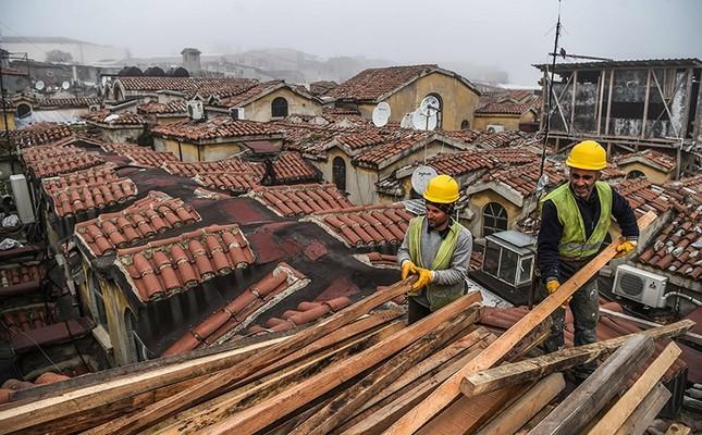 Roof Of Istanbul S Iconic Grand Bazaar Undergoes