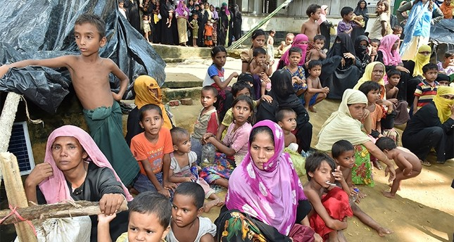 Rohingya refugees in Kutupalong Refugee Camp in Cox Bazaar, Bangladesh (AA Photo)