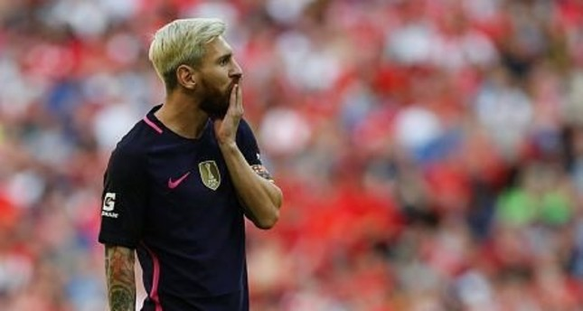 Messi says wants to return to Argentina squad