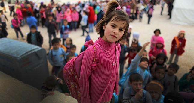 قطر تطلق برنامجاً بقيمة 100 مليون دولار لتعليم 400 ألف لاجئ سوري