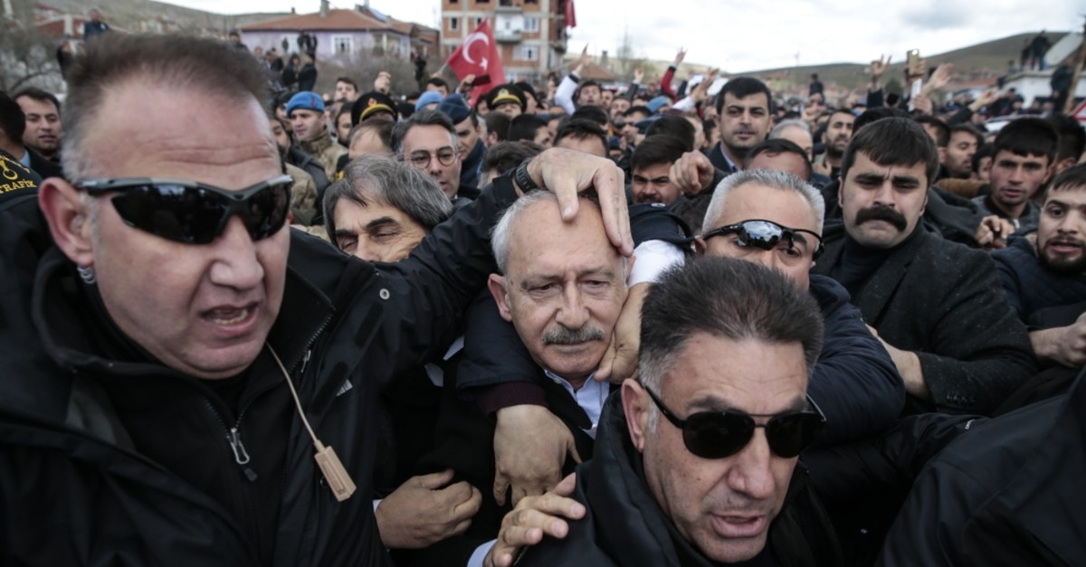 A group of protesters attacked Republican People's Party (CHP) Chairman Kemal Ku0131lu0131u00e7darou011flu during a soldier's funeral in the u00c7ubuk district of Ankara, April 21, 2019.