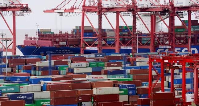 حاويات في ميناء شنغهاي رويترز
