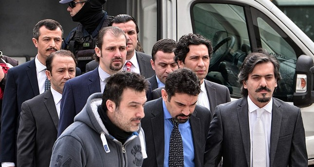 Greek court rejects extradition request for coup soldiers