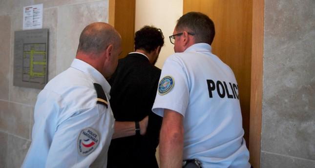 الشرطة الفرنسية تقتاد المطرب سعد لمجرد إلى الحجز (الفرنسية)