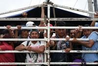 Trump threatens to close Mexico border over migrants