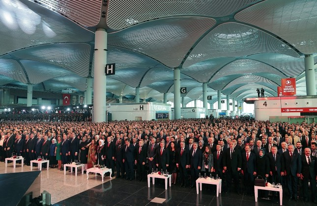 President Recep Tayyip Erdogan and foreign dignitaries attend an inauguration ceremony for a new aviation hub in Istanbul on Monday, Oct. 29, 2018 (AP Photo)