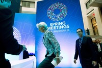 The International Monetary Fund (IMF) dropped a sharp condemnation of trade protectionism and references to climate change from a statement at the close of its spring meetings with the World Bank....
