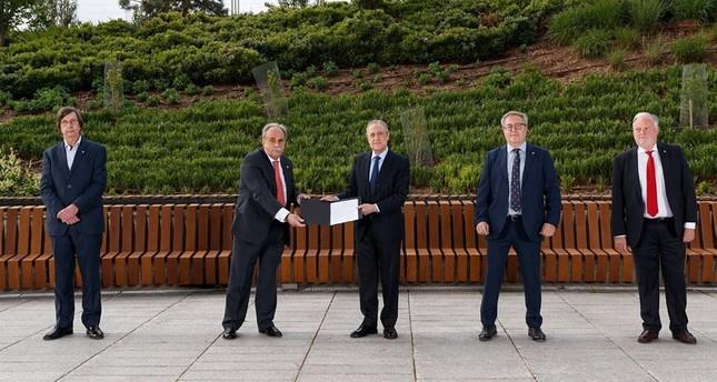 إعادة انتخاب فلورنتينو بيريس رئيساً لريال مدريد لولاية سادسة