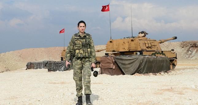 الضابطات التركيات يقمن بأدوار عسكرية هامة في عملية غصن الزيتون