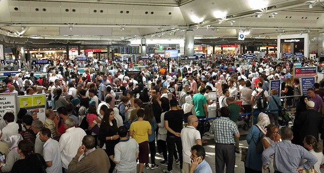 Long lines in Istanbul airport as Qurban Bayram holiday nears