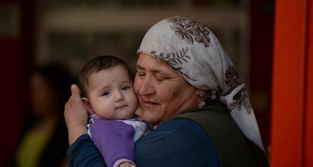 تركيا تبدأ منح الجدات التركية رواتب شهرية لقاء العناية بأحفادهن