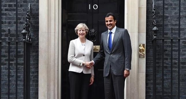 شركة بريطانية تستأجر ممثلين للتظاهر ضد أمير قطر مقابل 20 جنيه إسترليني