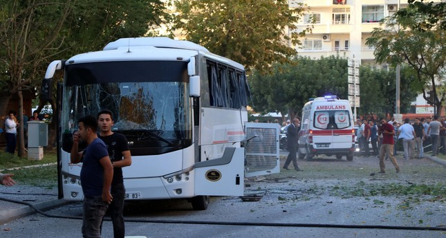 Bomb attack hits police shuttle bus in Mersin