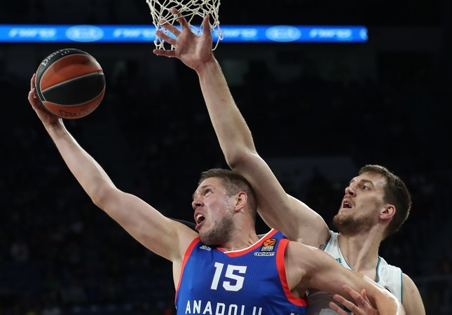 Efes, Valencia square off for first time since 2010