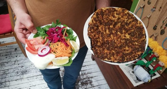A Turkish vegan pizza is served in a vegan restaurant located in the capital Ankara. (DHA Photo)