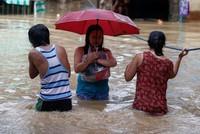 Жертвами тайфуна на Филиппинах стали 65 человек