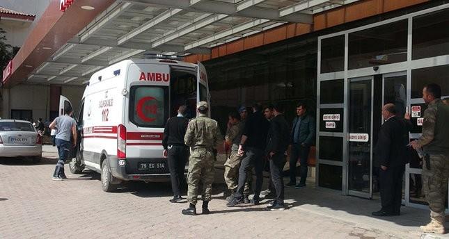 الجيش التركي يهاجم مواقع لـ pyd الإرهابي عقب إصابة 4 جنود