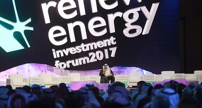 السعودية تنوي زيادة نسبة الطاقة المتجددة بنسبة 10% بحلول عام 2023