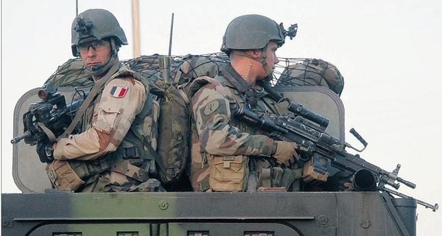 جنود فرنسيون في سوريا يقدمون الدعم لـقوات سوريا الديمقراطية