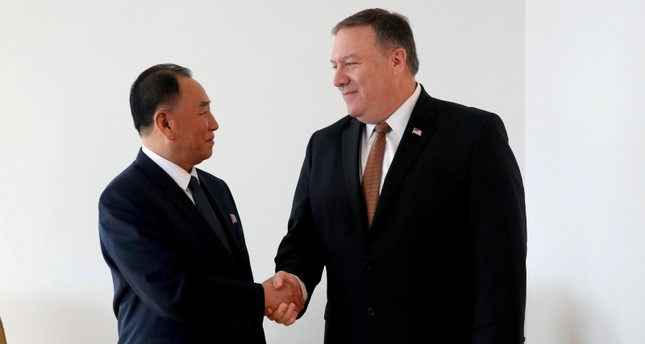 North Korea's envoy Kim Yong Chol shakes hands with U.S. Secretary of State Mike Pompeo during their meeting in New York, May 31, 2018. (REUTERS Photo)
