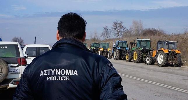 جنديان شاركا في محاولة اغتيال أردوغان يطلبان اللجوء إلى اليونان بعد فرارهما