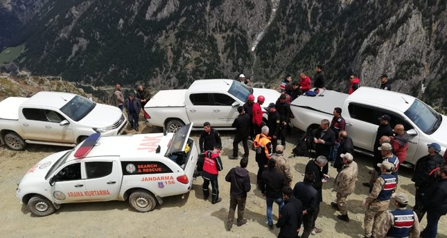 طواقم الإنقاذ التركية تواصل بحثها عن مراسل وكالة الأناضول المفقود في ولاية بايبورت