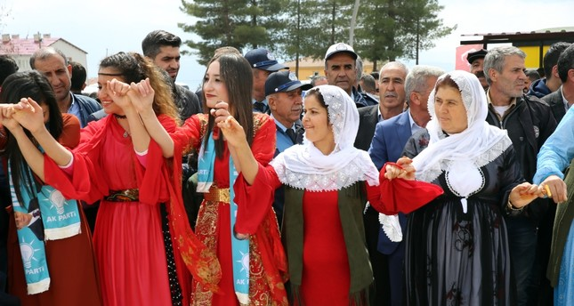 Local people in Şırnak celebrate the AK Party's victory in the region with Kurdish folk dances, April 1, 2019.