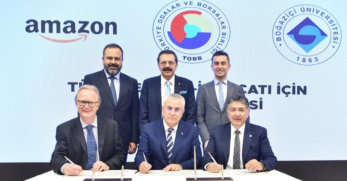 Amazon Turkey officials sign partnership with the Union of Chambers and Commodity Exchanges of Turkey (TOBB) and Bou011faziu00e7i University to offer e-commerce training to SMEs, on Sept. 16, 2019, in Ankara. (TOBB photo)