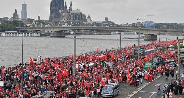 80 ألفاً شاركوا في وقفة بألمانيا منددة بمحاولة الانقلاب في تركيا