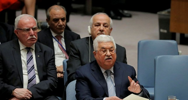 Abbas calls for Mideast peace conference by mid-2018