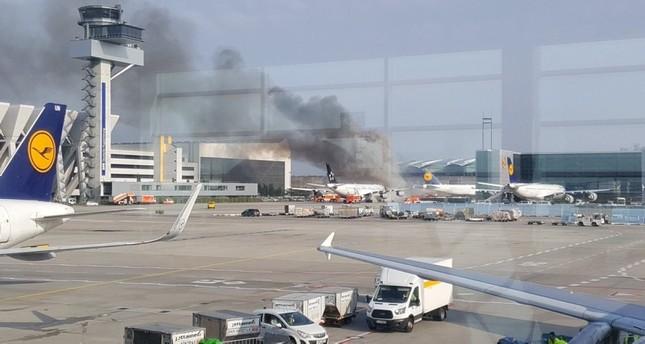 اشتعال حريق بإحدى الطائرات في مطار فرانكفورت