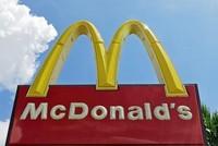 Die Fastfoodkette McDonald's hat sich für einen Beitrag auf einer ihrer Twitter-Seiten entschuldigt, der sich mit beleidigenden Worten gegen US-Präsident Donald Trump richtete.  In der am...