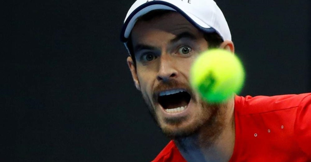 Andy Murray in action against Dominic Thiem, Beijing, Oct. 4, 2019. (Reuters Photo)