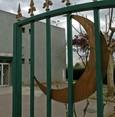 فرنسا.. رئيس بلدية يندد بغلق السلطات مسجداً في مدينته