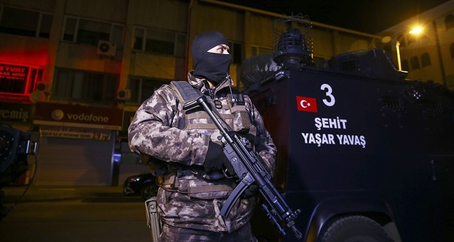 Counterterror squads conduct raids on Daesh-linked addresses in Turkey's Ankara, Nov. 9, 2017 (AA Photo)