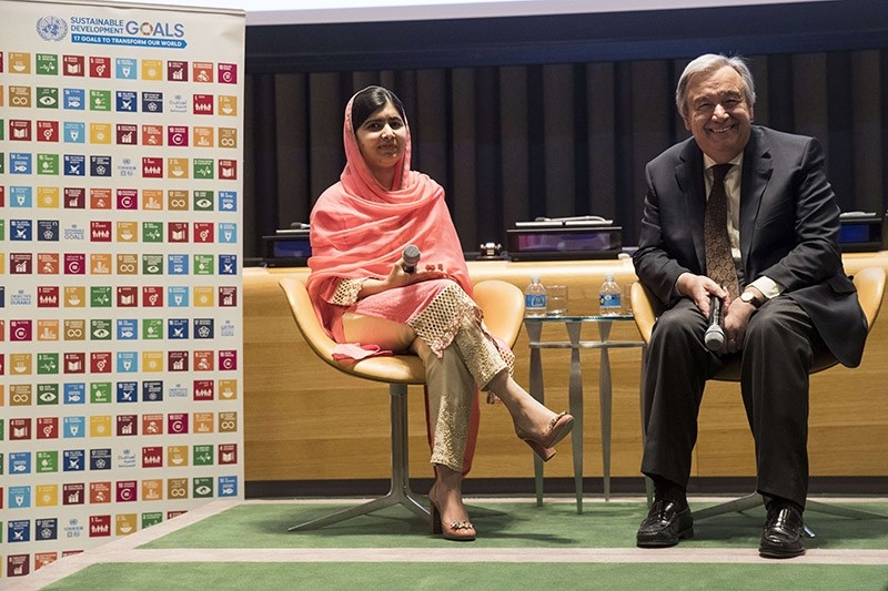 Malala Yousafzai and UN Secretary-General Antonio Guterres take questions from the audience during a ceremony to name her as a United Nations Messenger of Peace at UN headquarters, April 10, 2017 in New York City. (AFP Photo)