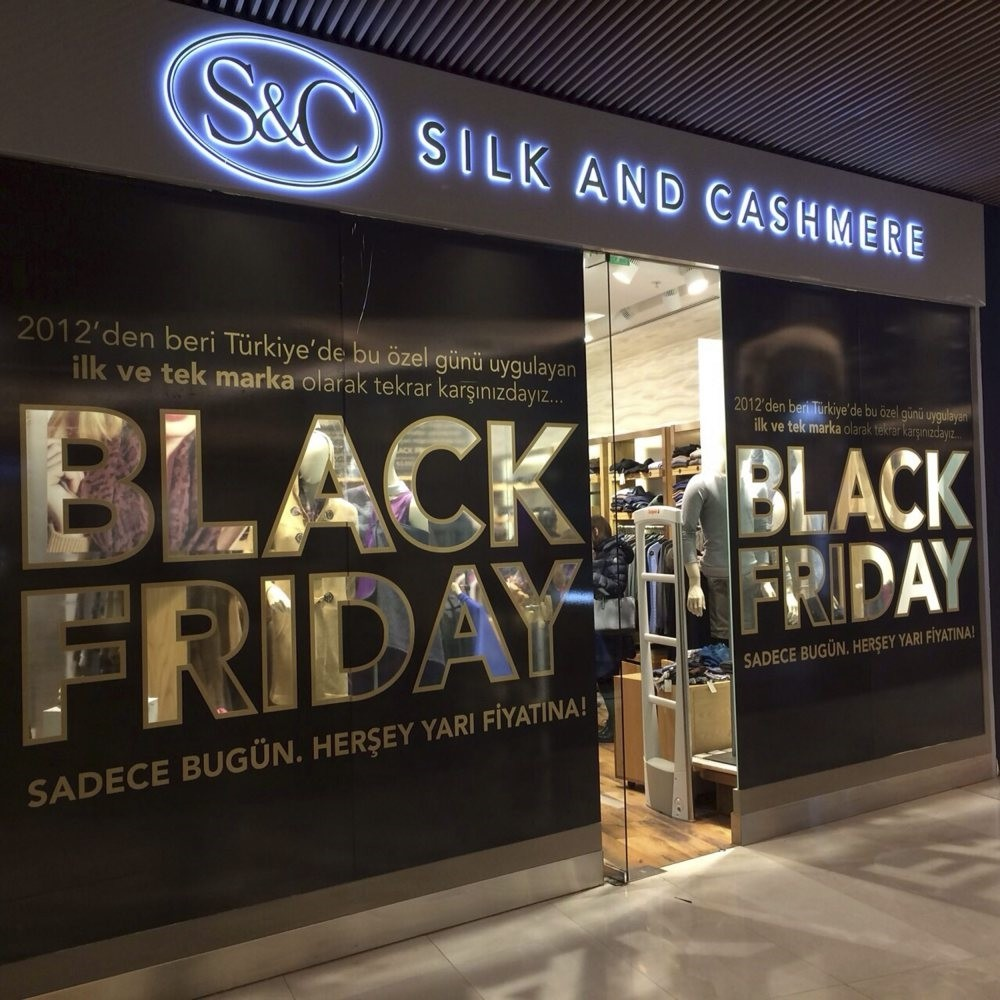 Retailers are offering discounts for customers at their stores and online shopping platforms for Black Friday in Turkey.