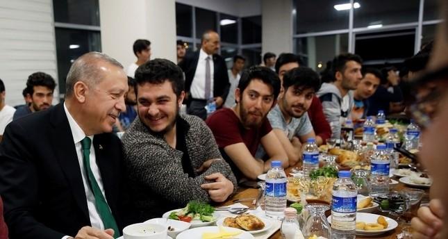 أردوغان في ضيافة طلاب جامعة يلدرم بايزيد في أنقرة