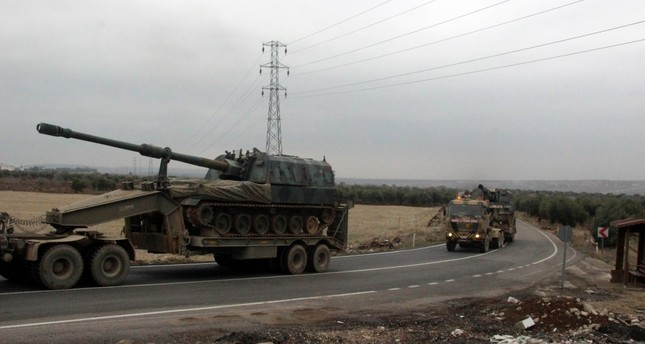 Howitzers being transported to Kilis province near the Syrian border.