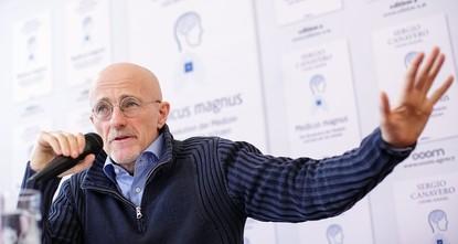 pDie von dem italienischen Neurochirurgen Sergio Canavero in China geplante Kopftransplantation ist laut einem führenden chinesischen Gesundheitsbeamten verboten./p  pDie Operation «ist...