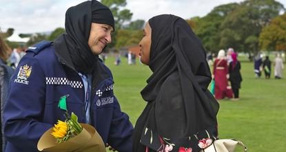 وسط تضامن رسمي وشعبي غير مسبوق.. نيوزيلاندا تبدأ بدفن ضحايا مجزرة المسجدين