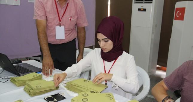 الأتراك في الأردن يدلون بأصواتهم في الانتخابات