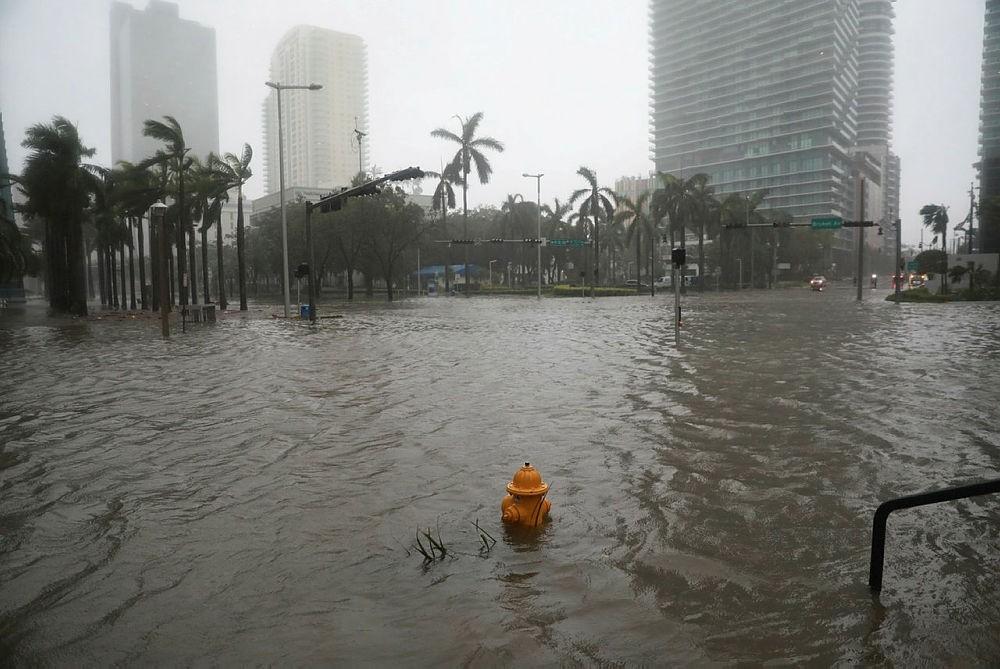 Flooding in the Brickell neighborhood as Hurricane Irma passes Miami, Florida, U.S. September 10, 2017. (REUTERS Photo)