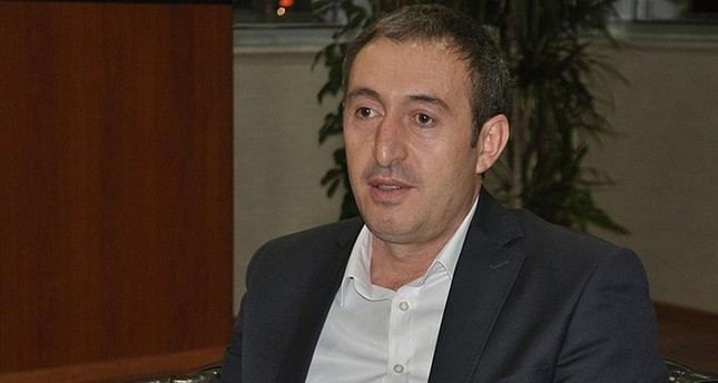 تونجر يكرخان رئيس بلدية سيعرت   (وكالة الأناضول للأنباء)