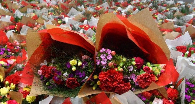 Flower exports from Antalya for Christmas and New Year's Eve celebrations are said to have generated a revenue of $7 million. DHA Photo