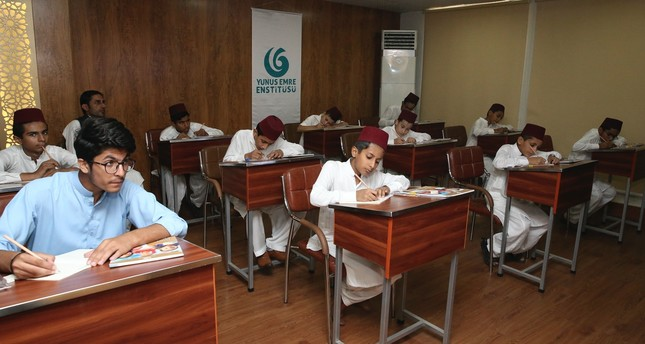 Turkey starts language courses for orphans in Pakistan