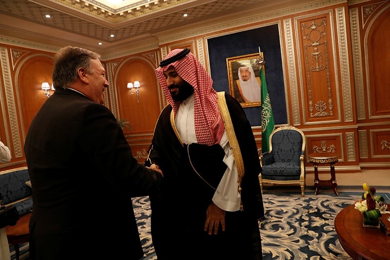 U.S. Secretary of State Mike Pompeo meets with the Saudi Crown Prince Mohammed bin Salman during his visits in Riyadh, Saudi Arabia, Oct. 16, 2018. (Reuters Photo)