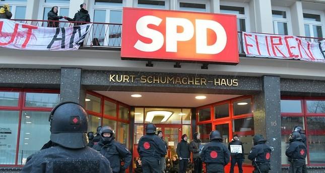 PKK/YPG-Unterstützer stürmen SPD-Haus in Hamburg