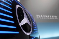 German automakers Daimler, BMW close to combining car-sharing units
